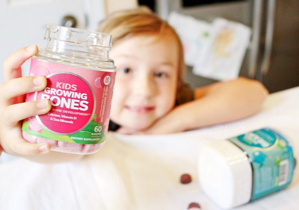 kiddo holding olly vitamins2