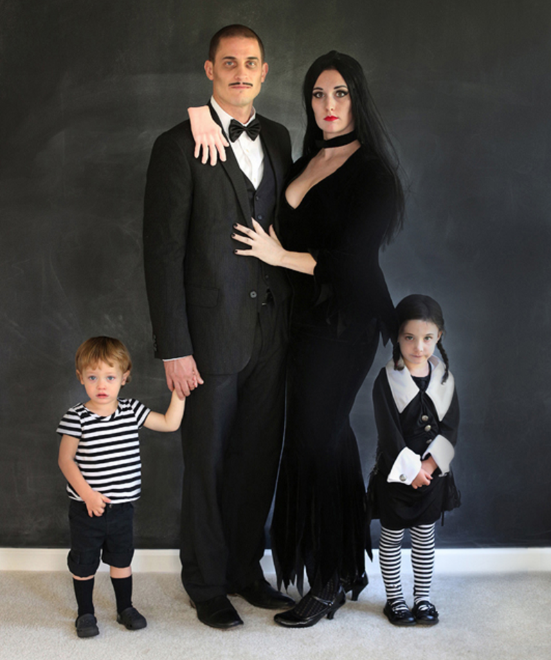 Morticia Halloween Costume