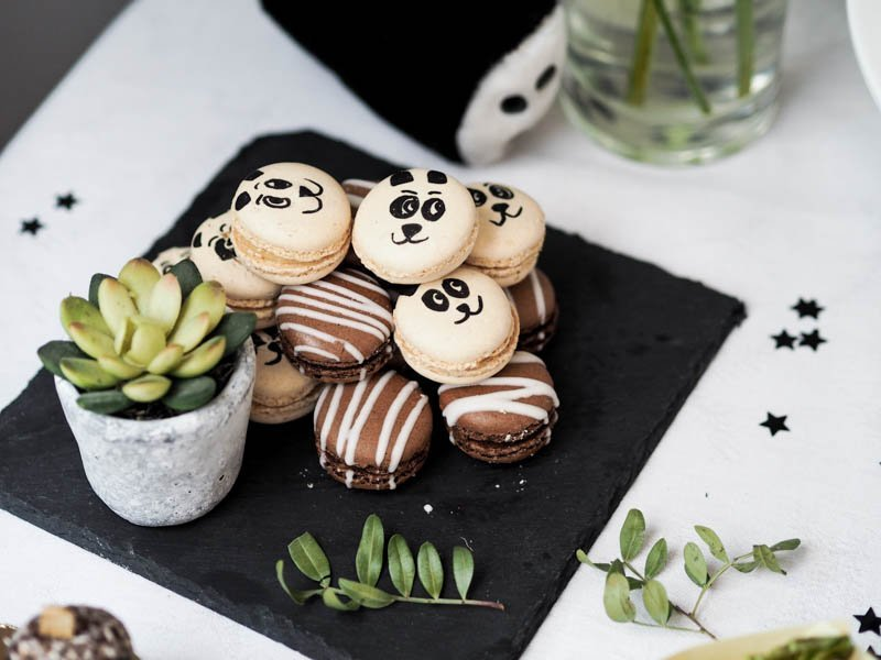 panda decorated cookies