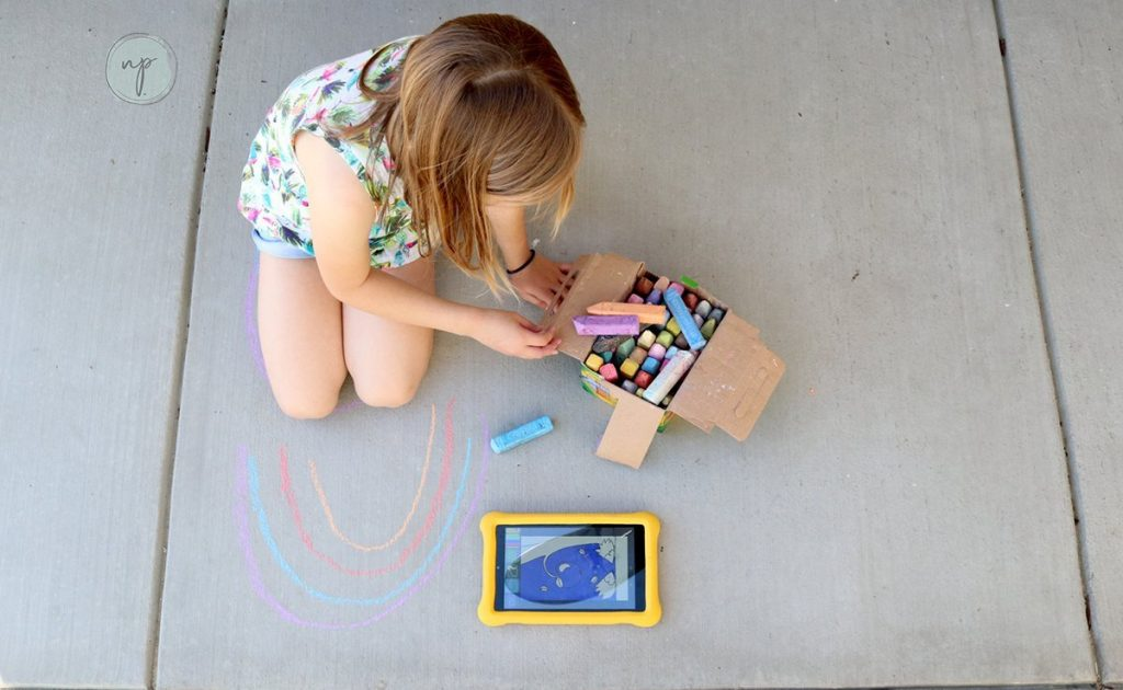 drawing chalk art with the Amazon Fire HD 8
