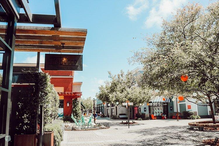 Alameda South Shore Center courtyard