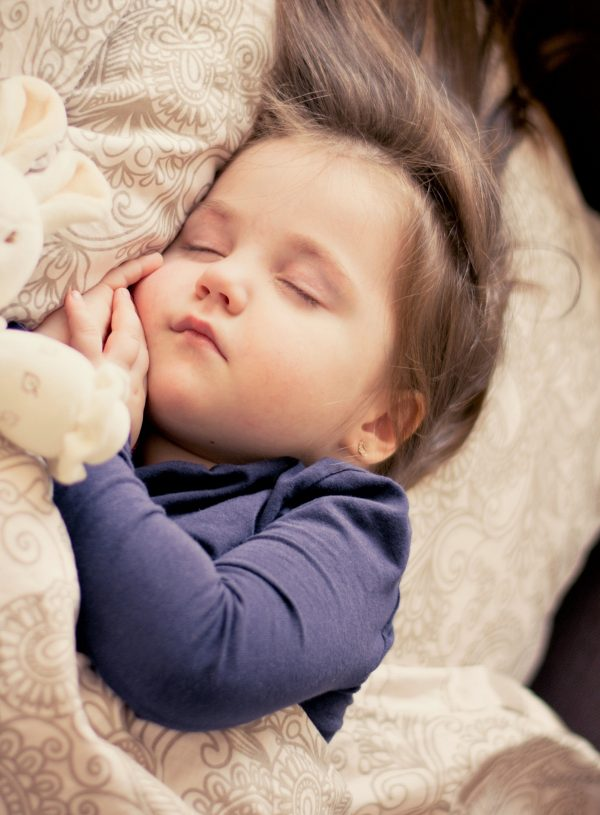 Gently Move Your Co-Sleeping Toddler to His Own Bed Using These Expert Tips