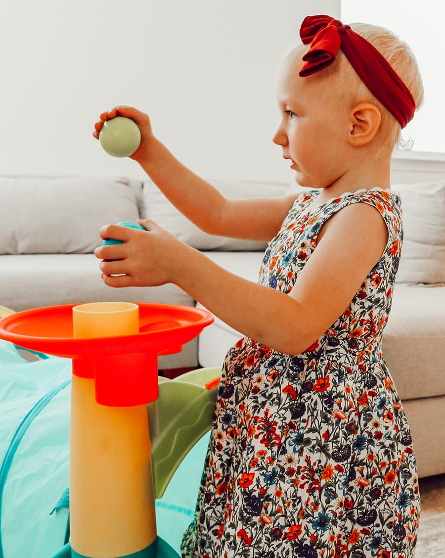 3 Tips for Buying Big Sibling Gifts From Baby